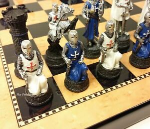 MEDIEVAL-TIMES-CRUSADES-BLUE-WHITE-Maltese-Warrior-CHESS-SET-15-034-Walnut-Color-Bd