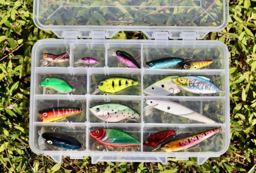 Lot de 16 NEW Freshwater bass trout Walleye Crankbait Lures In Plano Tackle Box!