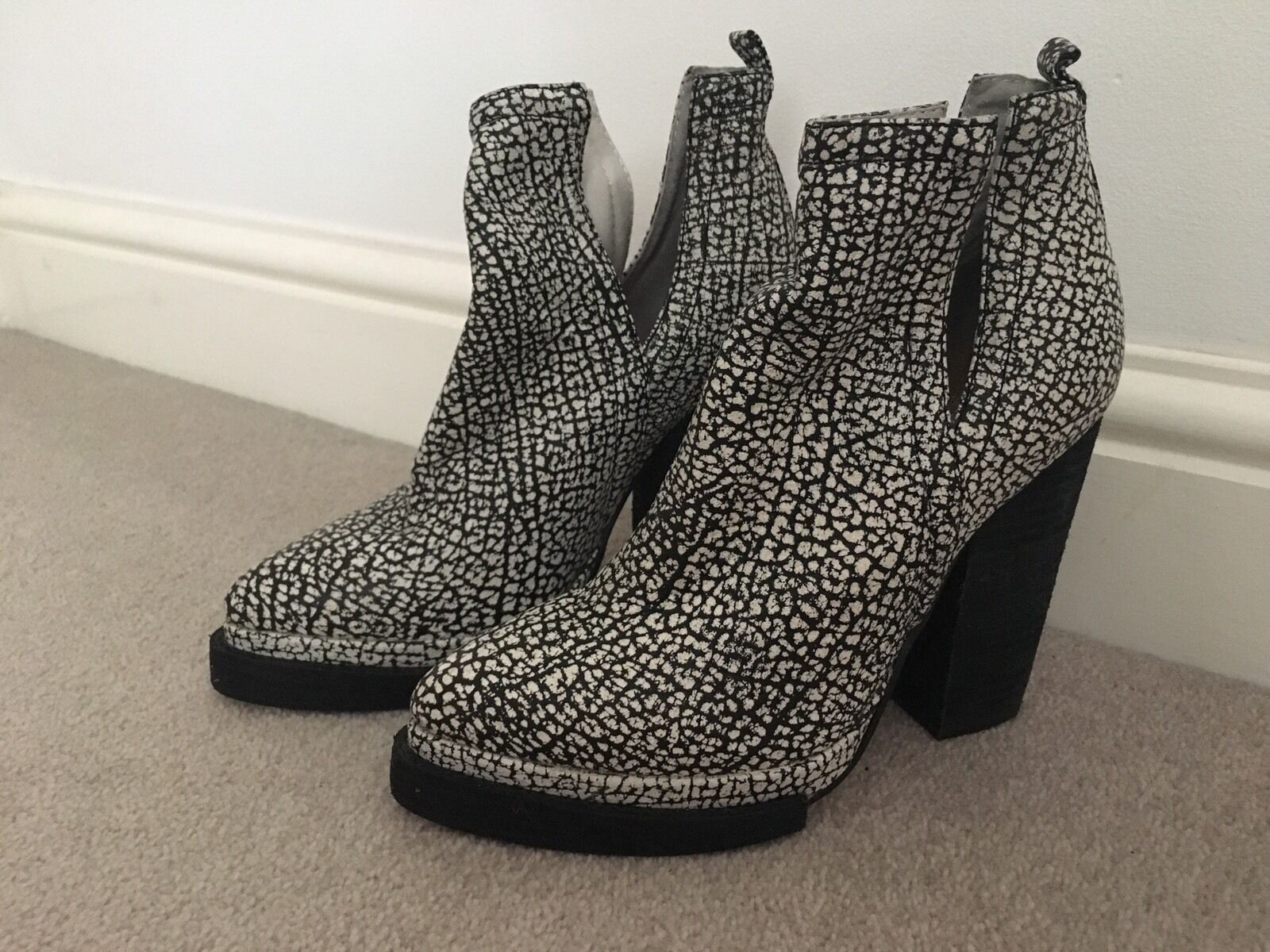 Jeffrey Campbell 'Whos Next' Monochrome Leather Boots (Size EU36, UK3) GENUINE
