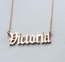 Personalizzata OLD ENGLISH font COLLANA, 18 K Rose Oro Placcato, qualsiasi nome