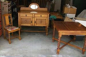 Antique-English-Oak-Barley-Twist-Draw-Leaf-Table-amp-4-Matching-Chairs