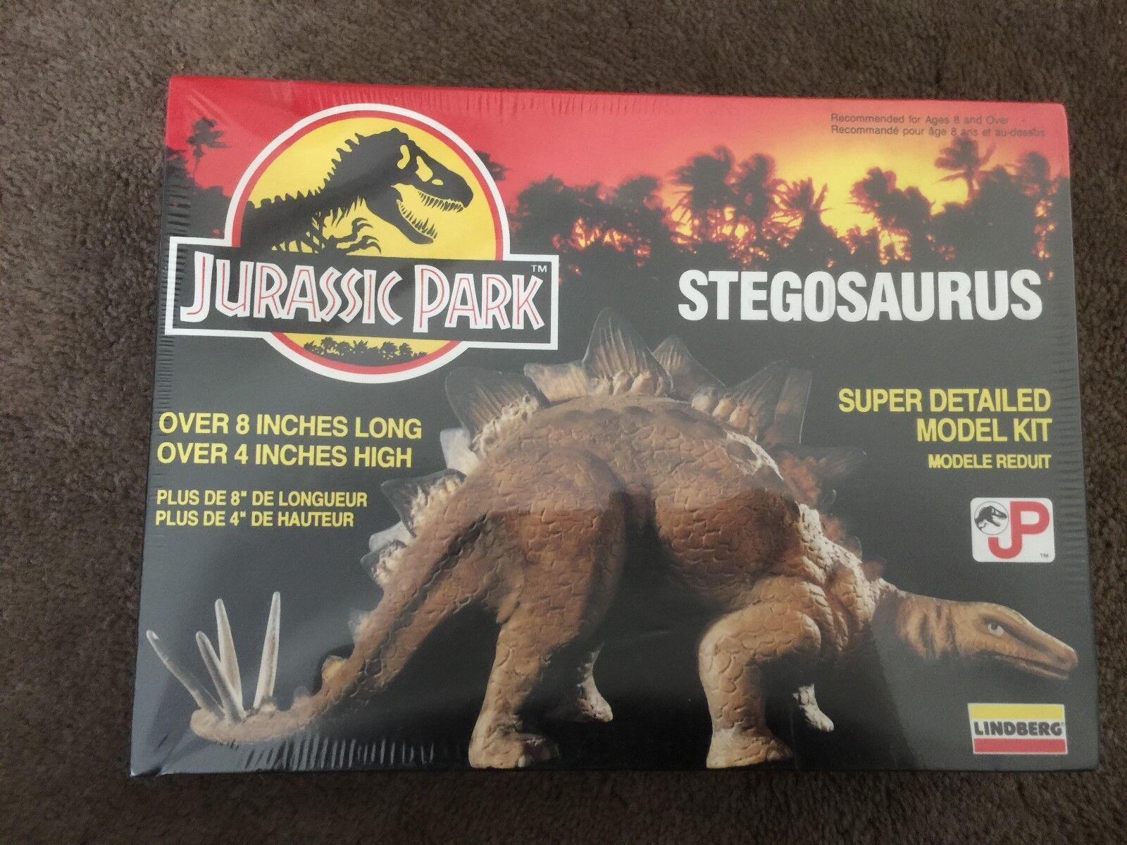 Jurassic Park Stegosaurus Model Kit    Small   8in x 4in   1992 - V Rare