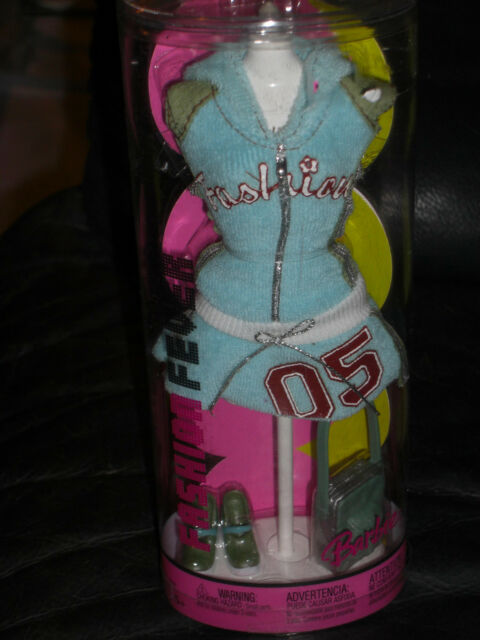 2004 BARBIE FASHION FEVER BARBIE FASHION ON SPECIAL MANNEQUIN #G8989