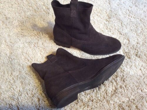 Docker Pull On Brown Suede Leather Ankle Boots 7.