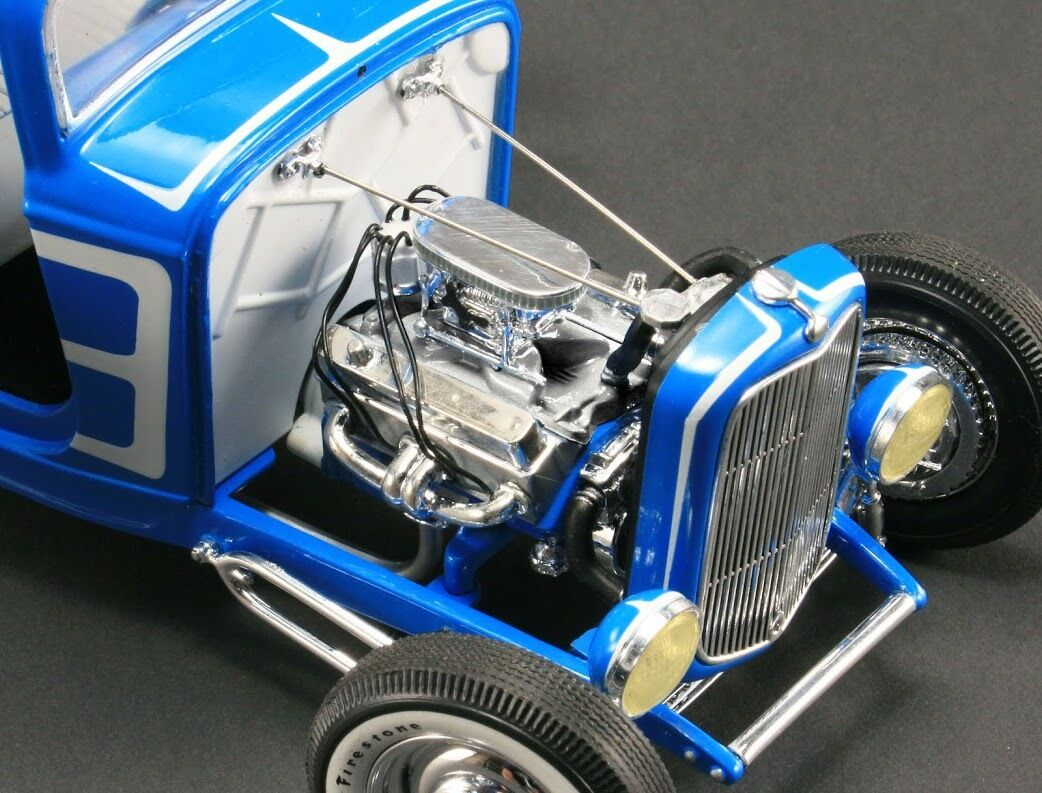 1932 Ford Grand National Deuce Series  3 blueeE 1 18 GMP 1805008