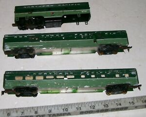 Rare-Vintage-MANTUA-Tyco-AF-Extruded-Aluminum-HO-Northern-Pacific-Passenger-Cars