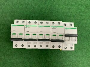 Acti9 disjoncteur IC60N 2P 2A COURBE D A9F75202 Schneider Electric lot de 5