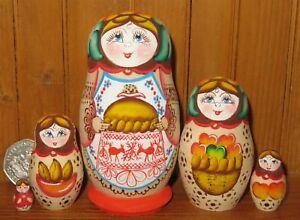 Nesting-Russian-Doll-Matryoshka-SMALL-5-KARAVAY-hand-painted-Pyrography-signed
