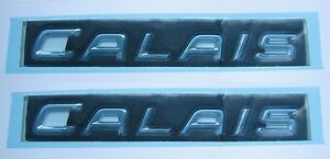 HOLDEN VY VZ COMMODORE CALAIS CHROME SIDE REAR DOOR BADGE x2 NEW GM GENUINE