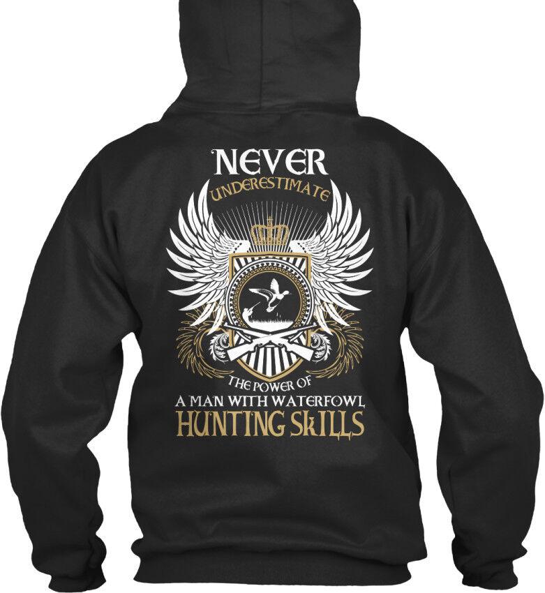 Waterfowl Hunting Man - Never Underestimate The Power Of Standard College Hoodie    Einfach zu spielen, freies Leben    Viele Stile    Charakteristisch