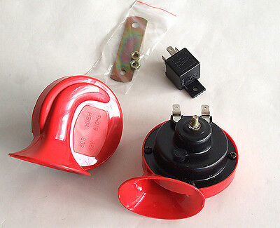 2 hupe horn klaxon 12v universal auto kfz ovp neu e zeichen ebay. Black Bedroom Furniture Sets. Home Design Ideas