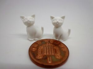 1-12th-Scale-Two-Sitting-White-Kittens-Doll-House-Miniature-Cats-Pets-Animals