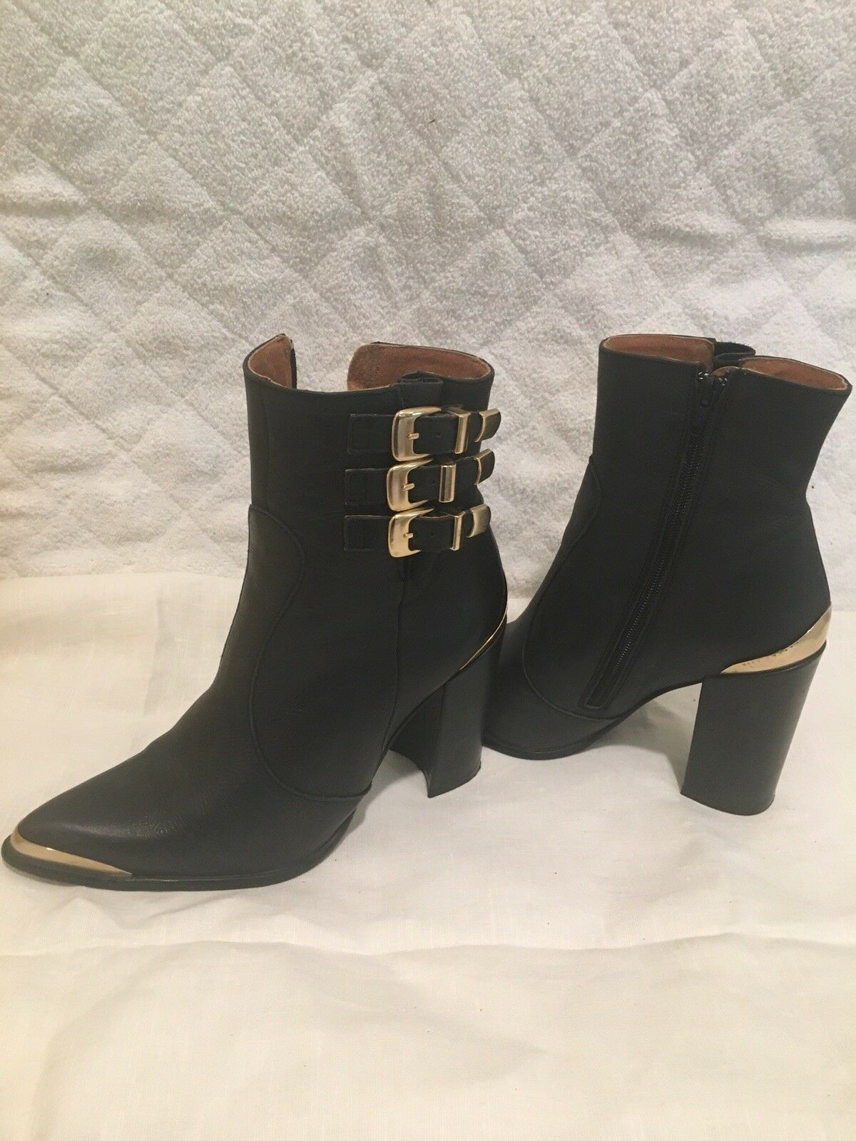 JEFFREY CAMPBELL BLACK LEATHER HEEL ANKLE BOOT BUKLE ZIPPER SIDE SPAIN SZ 40