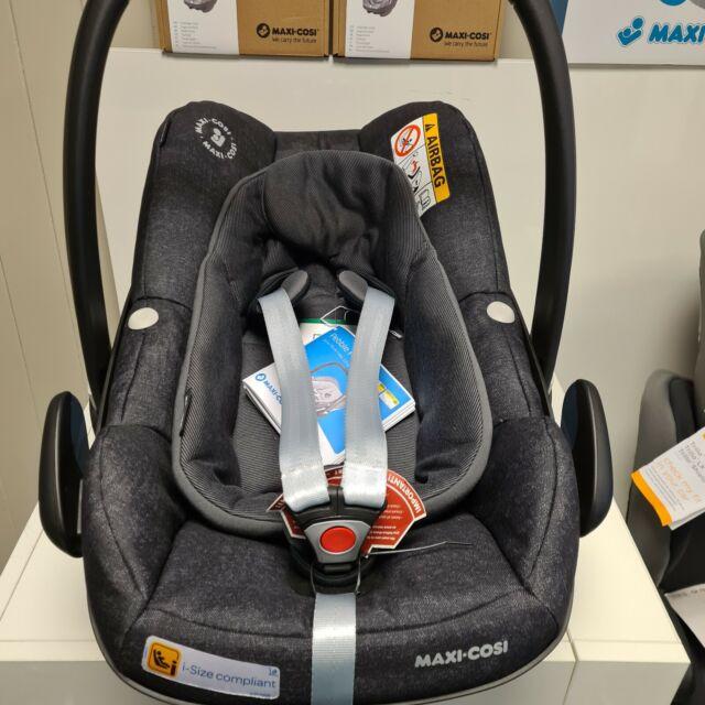 Maxi-Cosi Pebble Plus i-Size Group 0+ Baby Car Seat, BLACK - RRP £199