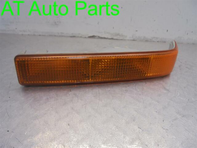 98 99 00 01 02 03 Chevy S10 Front Right Park Turn Signal