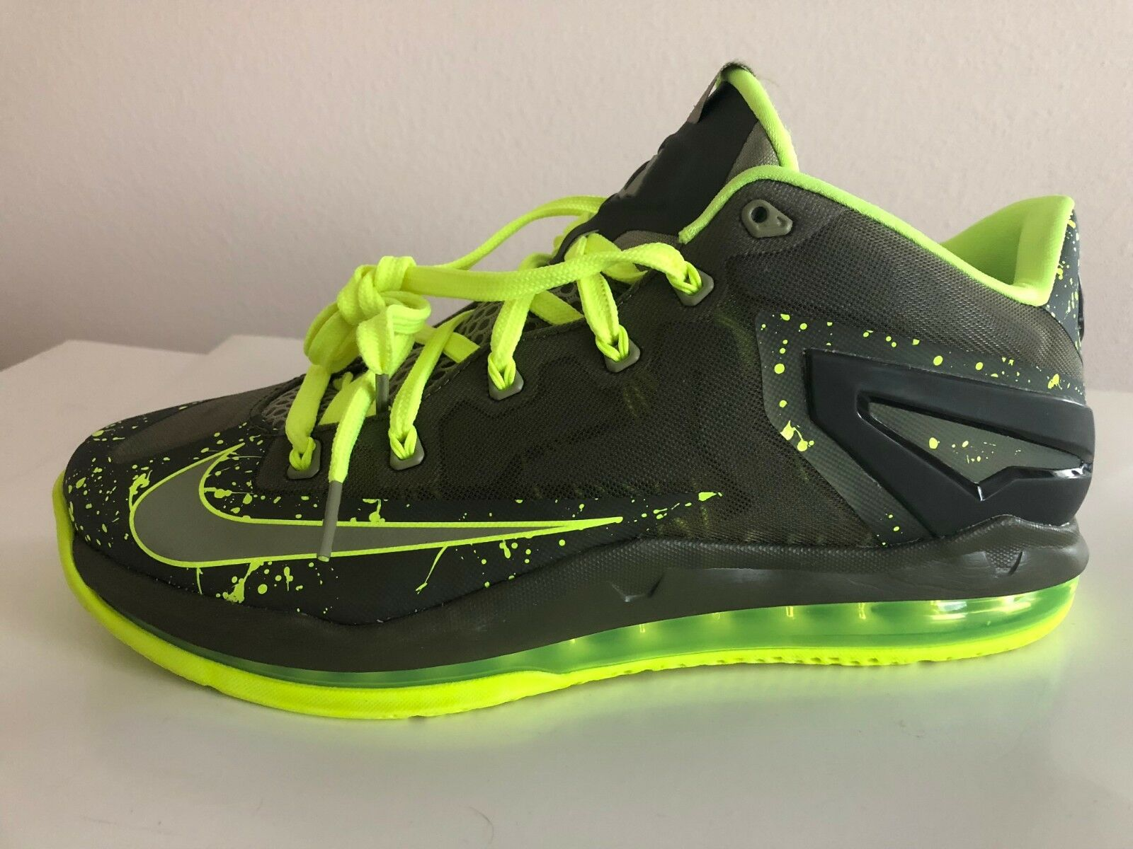 NEW NIKE AIR MAX LEBRON XI LOW LIGHT BASE Homme ATHLETIC Chaussures Gris VOLT Vert