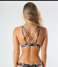 acacia swimwear modern pacific awapui top size L nwt