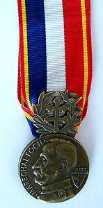 Medaille-de-la-delegation-Lafayette-FOCH-Metz-Aout-1920-avec-ruban-Refrappe