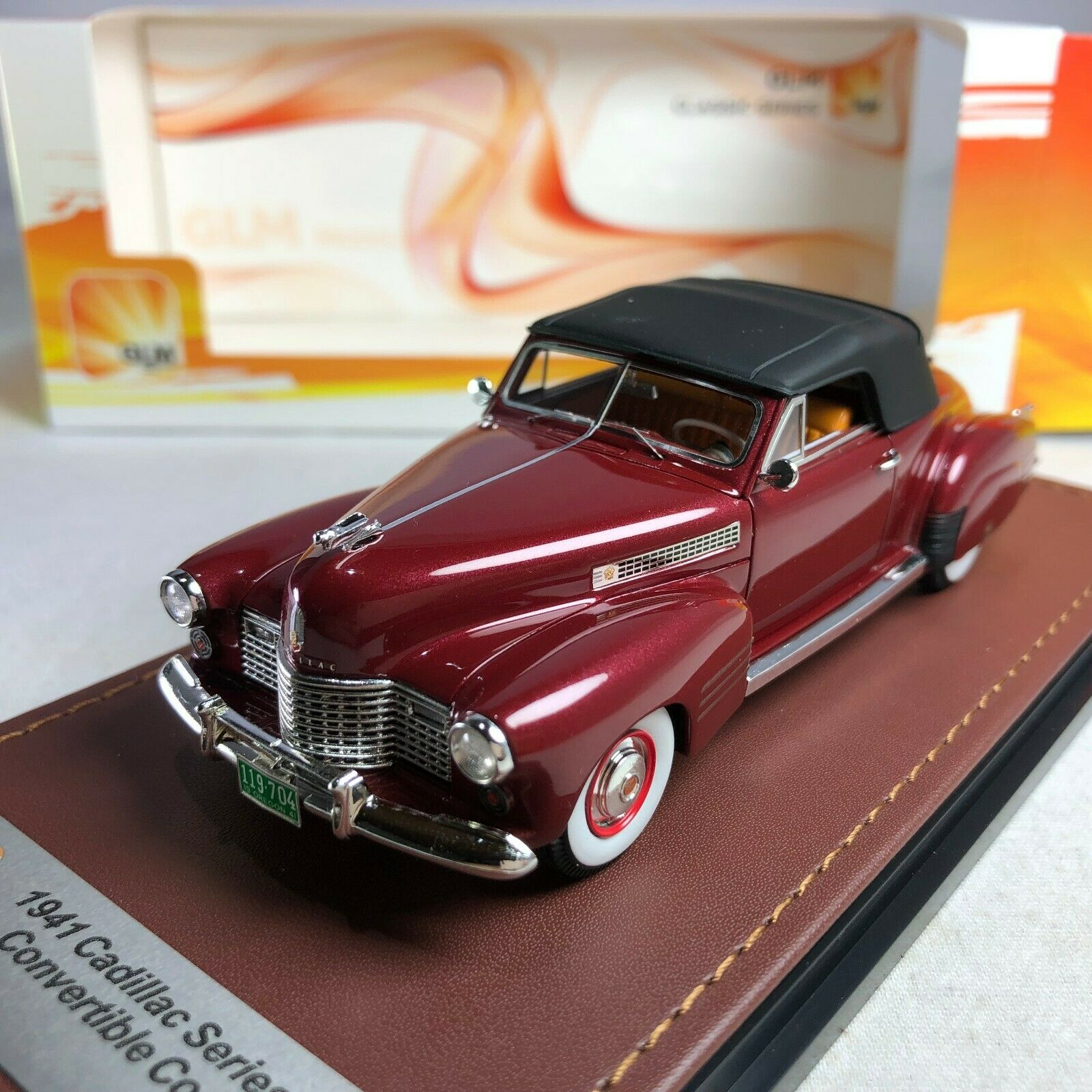 1 43 GLM Model Cadillac 62 Series Congreenible Coupe Red Metallic GLM119704