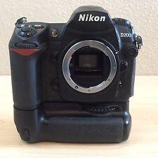 Nikon D200 10.2MP Digital SLR Camera Black Body with MB-D200 Battery Pack TESTED