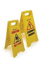Professional attenzione pavimento bagnato firmare per la pulizia in corso di avviso giallo CONO