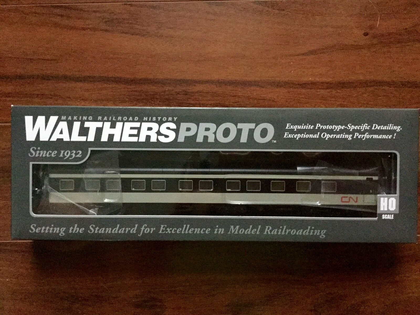 WALTHERS 1 87 HO CANADIAN NATIONAL P-S 85' 10-6 SLEEPER CAR LIGHTED