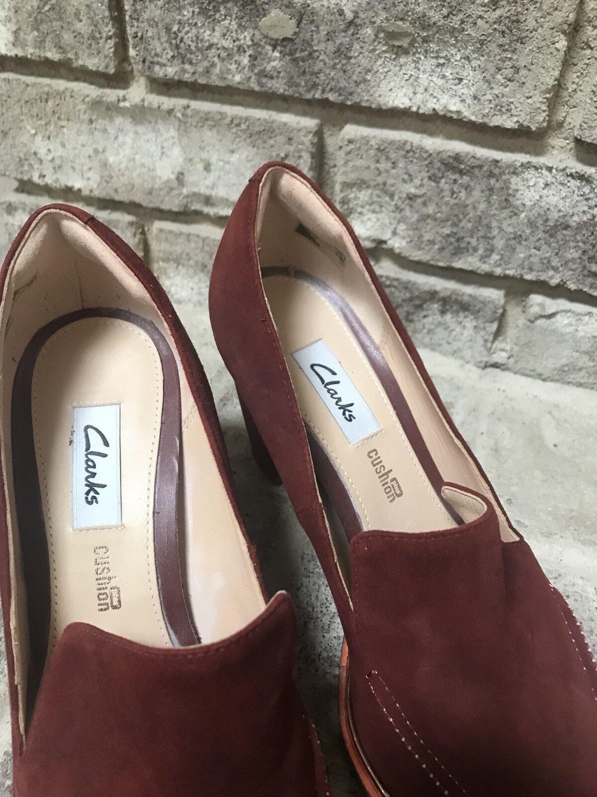 Clarks Mujer Zapatos Zapatos Zapatos ee. UU. 7 M UK 4 1 2 Tacón Ellis Mable moho suede slip on-Nuevo 227cce