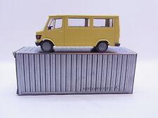 LOT 40685 Conrad 3063/3064 Mercedes Transporter gelb 207D/208D Modellauto 1:50