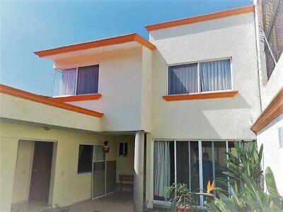Venta Casa Oportunidad con Vigilancia, 5 Recamaras, 2 en Planta Baja, Ampl. Vista Hermosa, Z Dorada