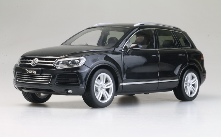 WELLY GTAUTOS 1/18 Alloy models  Volkswagen Touareg TSI Die casting model