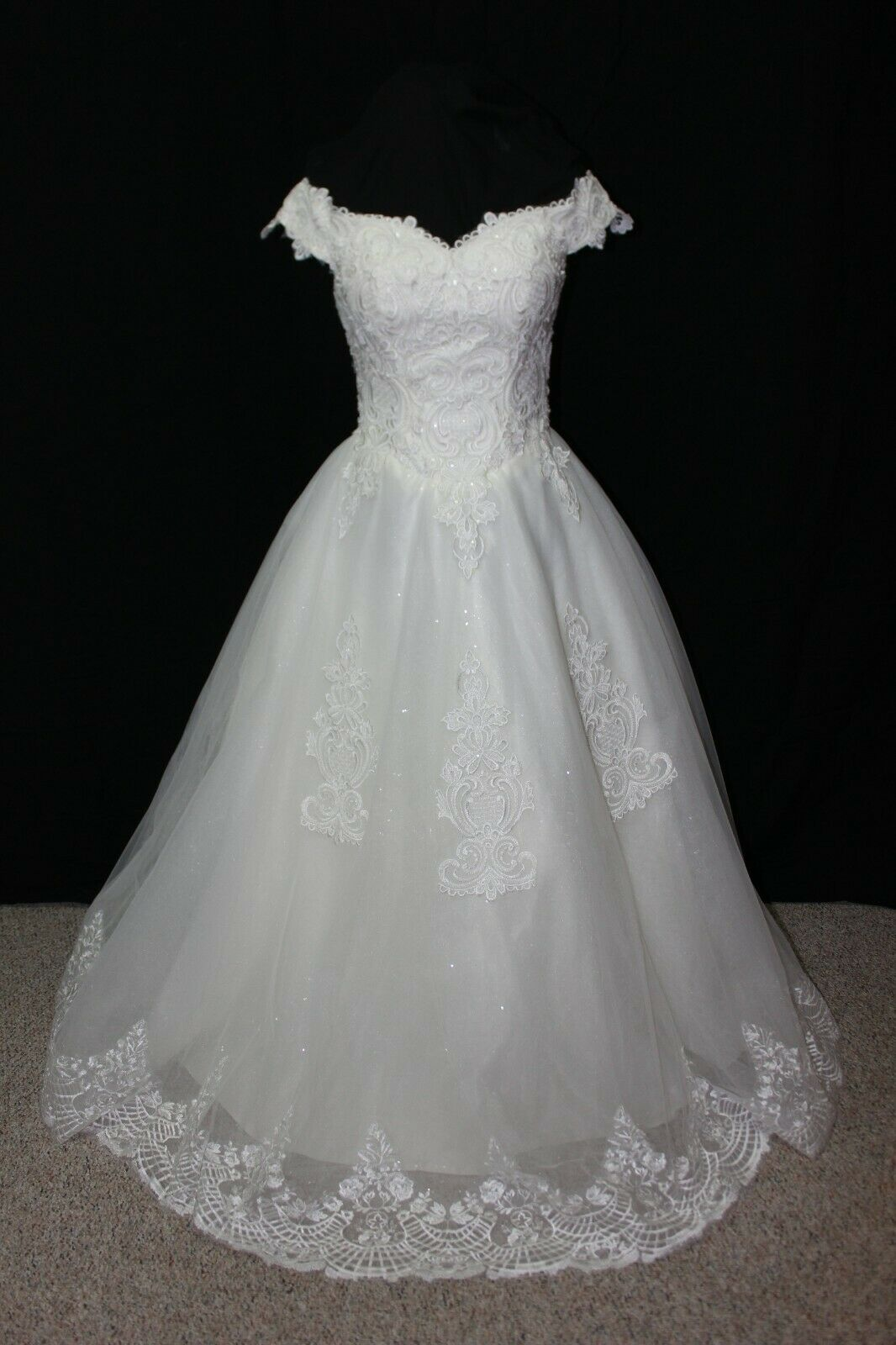 NWT Size XS/SM Ball gown style wedding dress, Ivory tulle & Ivory Lace #3