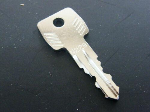 Thule Schlüssel N228 N 228 Ersatzschlüssel für Heckträger Dachboxen Dachträger