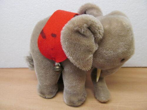 Tiere MES-37182 Älterer Steiff Elefant H:ca.17cm mit Knopf,Schild und Fahne,