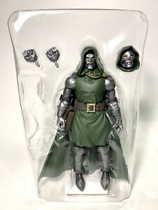 In STOCKMarvel Legends Fantastic Four Doctor Doom Super Skrull BAF Action Figure