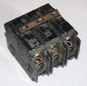 Lot of 2  GE 3 POLE 30 AMP CIRCUIT BREAKER  VINTAGE
