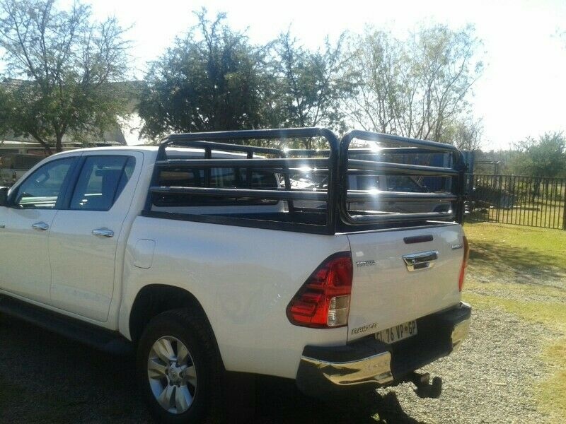 D4D DC Hilux cattle rails