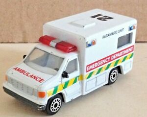 REALTOY-DIECAST-3-034-FORD-F-SERIES-AMBULANCE-PLAYWORN