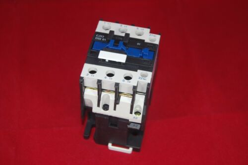 1PC NEW FITS LC1-D3201 AC CONTACTOR 32A  220V AC 50//60HZ