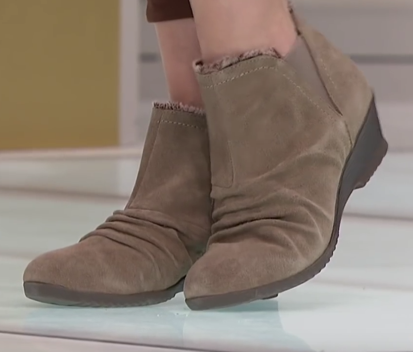 Sporto Drape2 Water-Resistant Ruched Suede Bootie in Fossil Taupe, 7 W