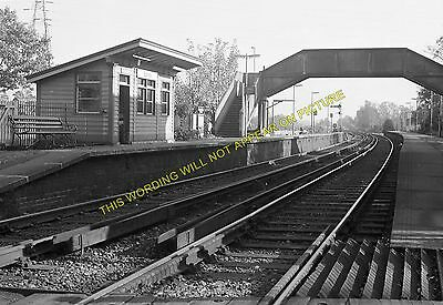 Earley and Wokingham Line 11 Reading South Railway Station Photo SE/&CR.