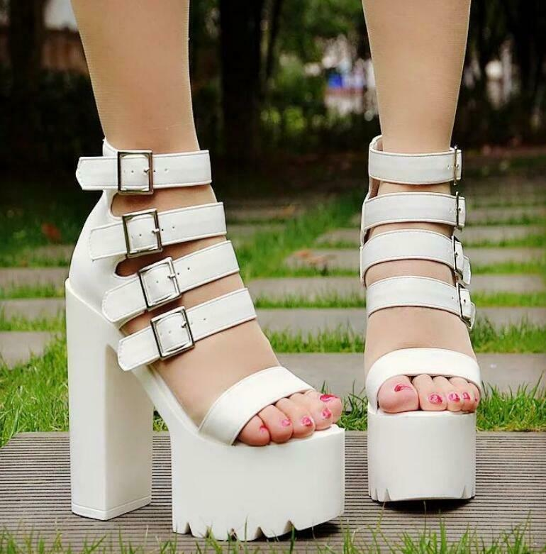 2019 Summer New Sandals Hollow Out High Block Heels Buckle Gladiator Women shoes