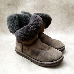 UGG Womens  F23010G Sz 8 M Brown Leather Classic Short Sheepskin Boots