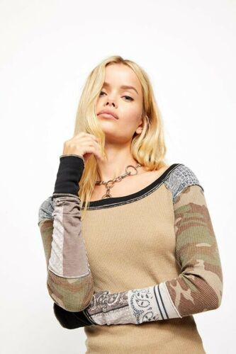 Details about  /NEW FREE PEOPLE Sz S BRIGHT SIDE PATCH SLEEVE CAMO ANIMAL BANDANAvPRINT THERMAL