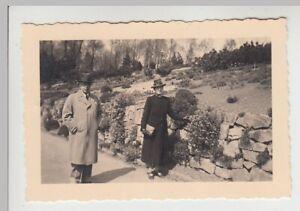 F29767-Orig-Foto-Personen-im-Freien-in-Buer-1941