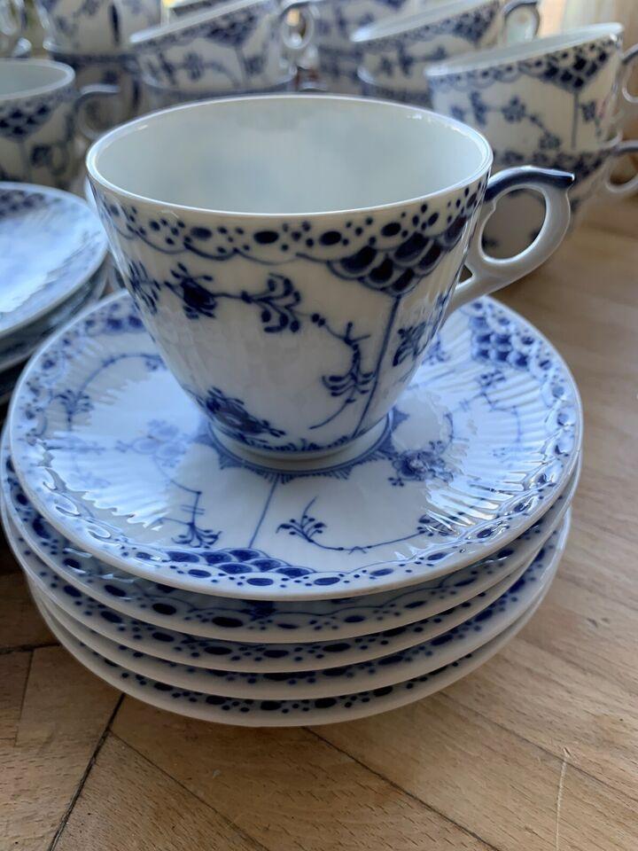 Porcelæn, halvblonde kaffekop+underkop, Royal