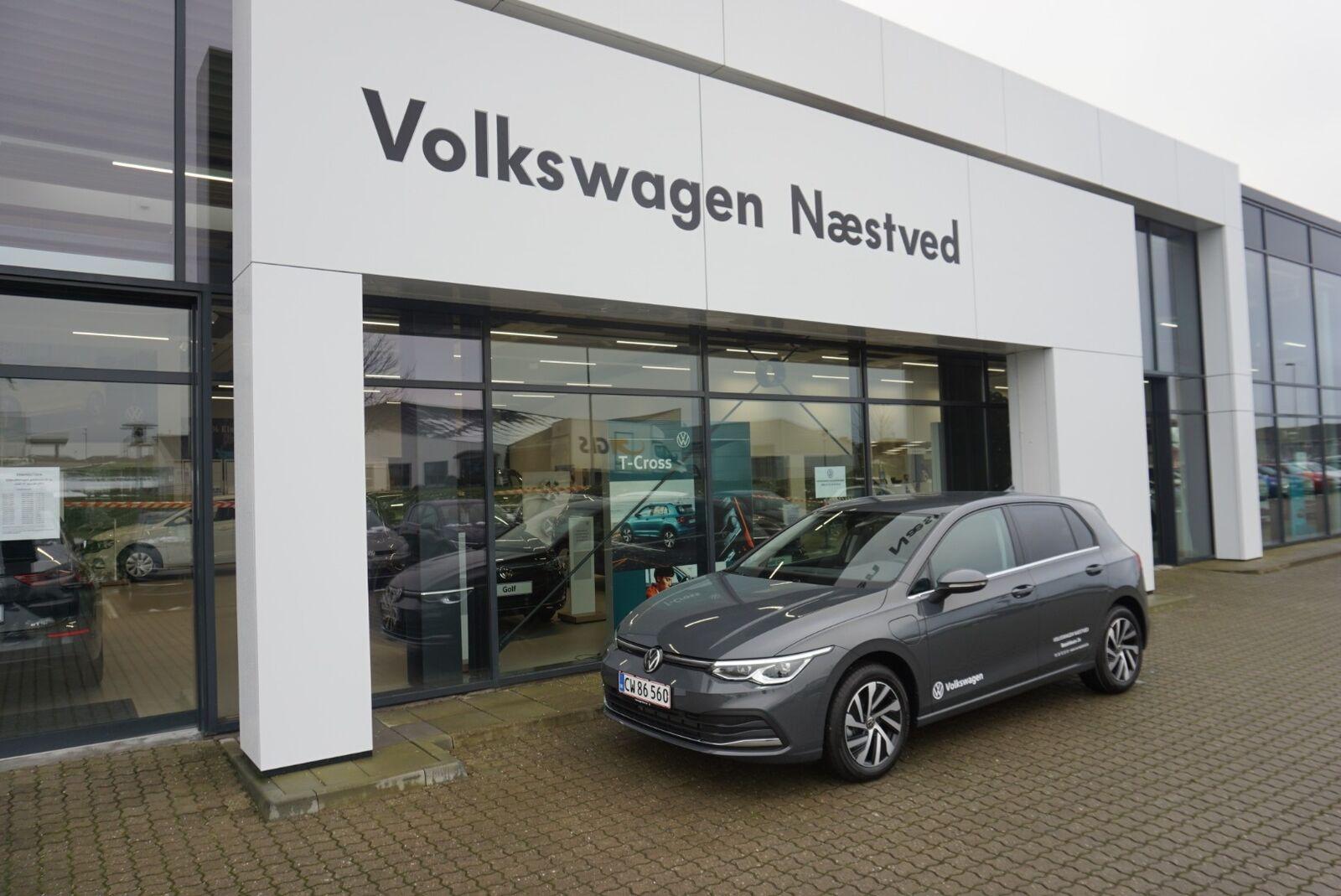 VW Golf VIII 1,4 eHybrid DSG 5d - 324.900 kr.