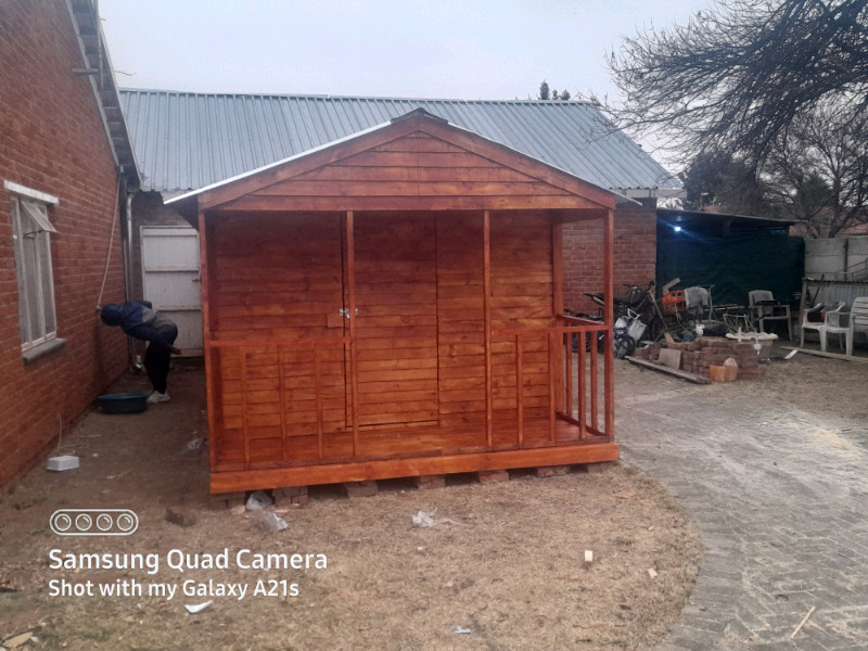 Log cabin for special price