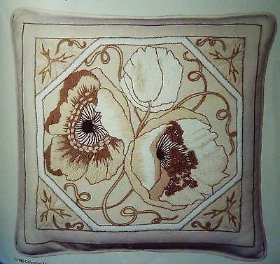 1980 Columbia Minerva Erica Wilson Poppy Crewel Embroidery Pillow Kit  #7207