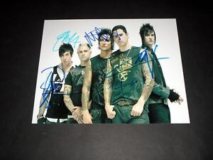 AVENGED-SEVENFOLD-PP-SIGNED-10-034-X8-034-PHOTO-REPRO