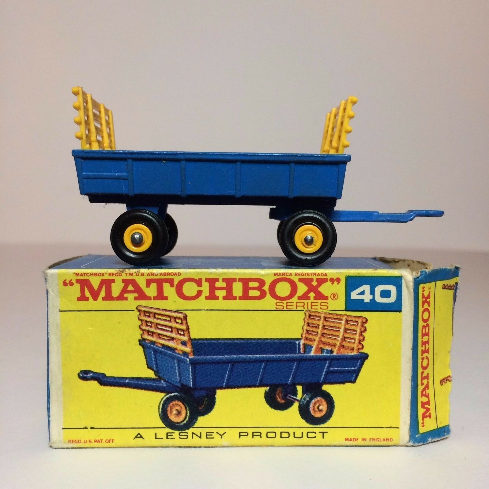 Vintage Lesney Matchbox Vehicle With Box - bluee & Yellow Hay Trailer  40